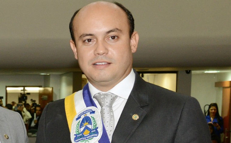 O político governou Tocantins de 4 de abril de 2014 a 1º de janeiro de 2015