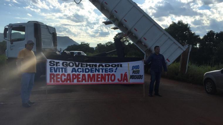 Os manifestantes exigiram a presença de um representante do governo mas ninguém apareceu