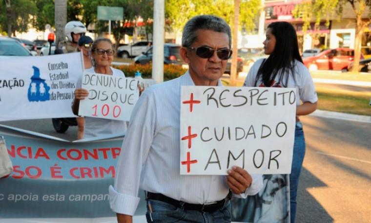 Denuncie crime contra idosos