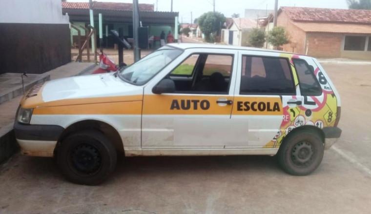 Veículo utilizado pelos suspeitos