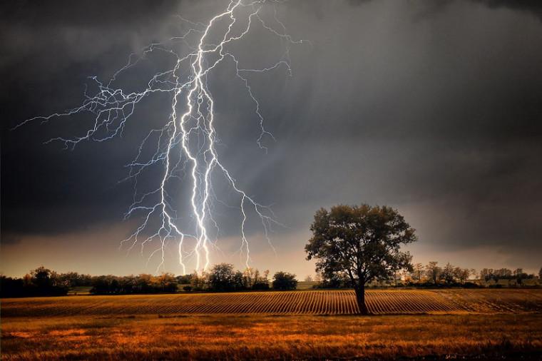 Tempestade com raios