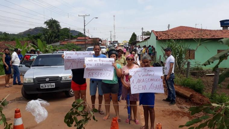 Moradores protestam em Aragominas (TO)