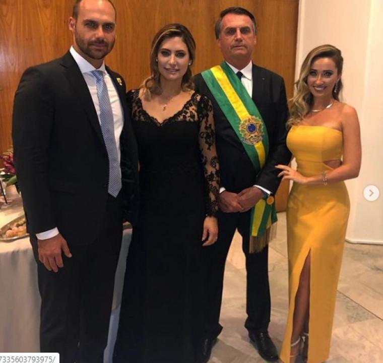 Heloísa com o marido, e com o sogro presidente da república