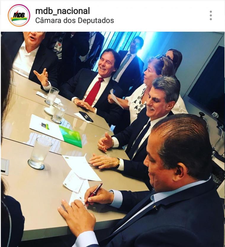 Eduardo Gomes se filia ao MDB