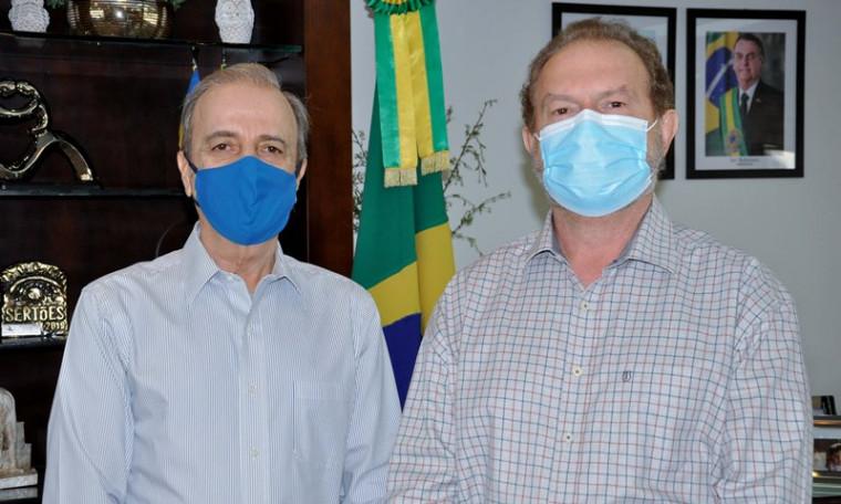 Governador Carlesse (dir.) e Henrique Prata