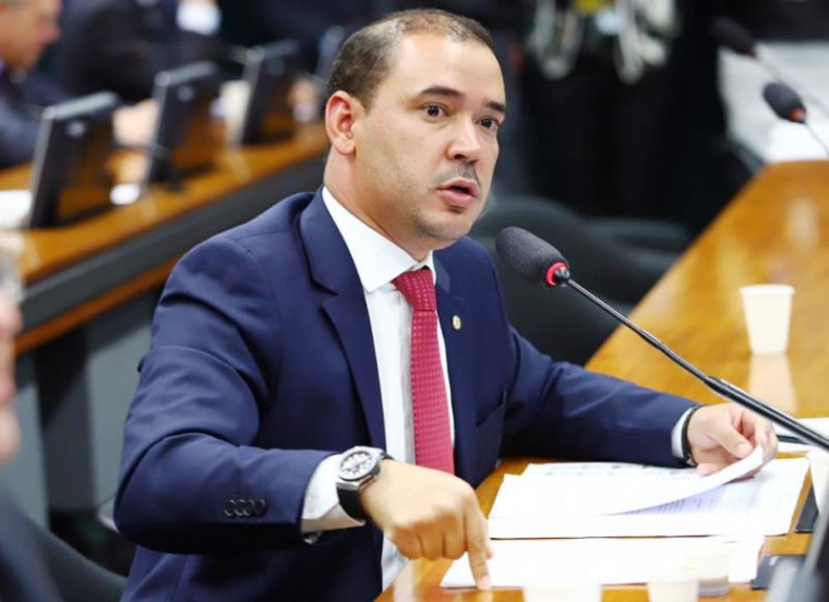 Vicentinho Júnior é pré-candidato a prefeito de Palmas