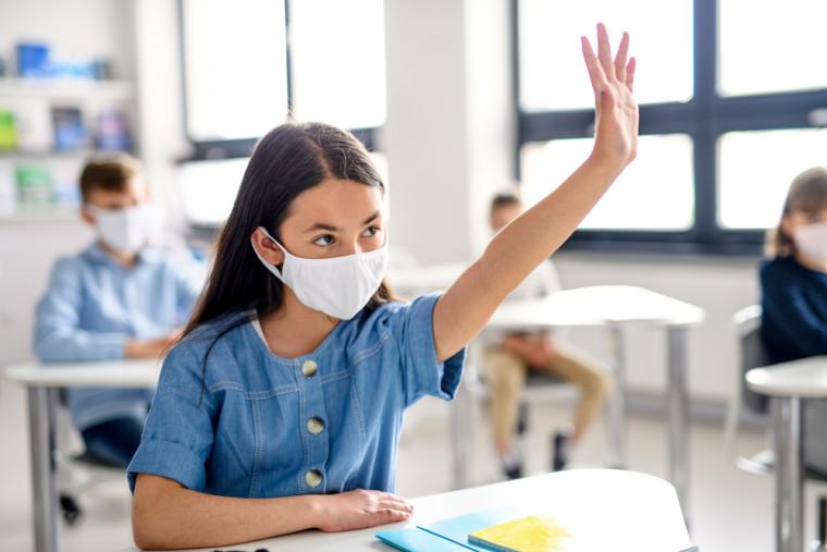 Estudos indicam que o fechamento das escolas oferece riscos à saúde psíquica das crianças