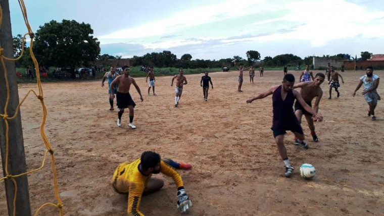 O jogo ocorre no bairro Santa Bárbara