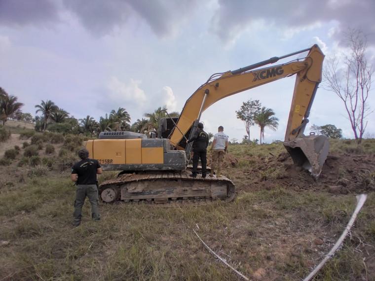 Retroescavadeira estava em outro município trabalhando em uma propriedade particular