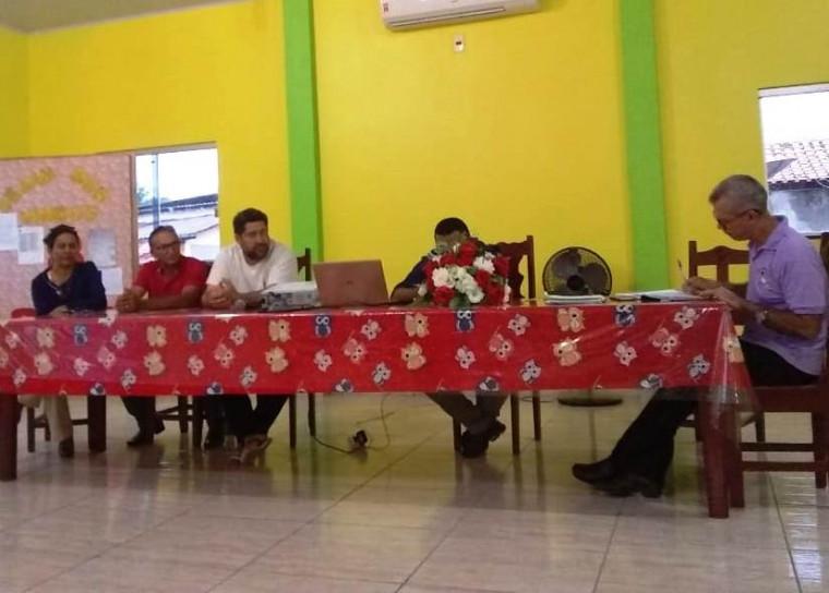 Prefeito participou de uma assembleia com os professores