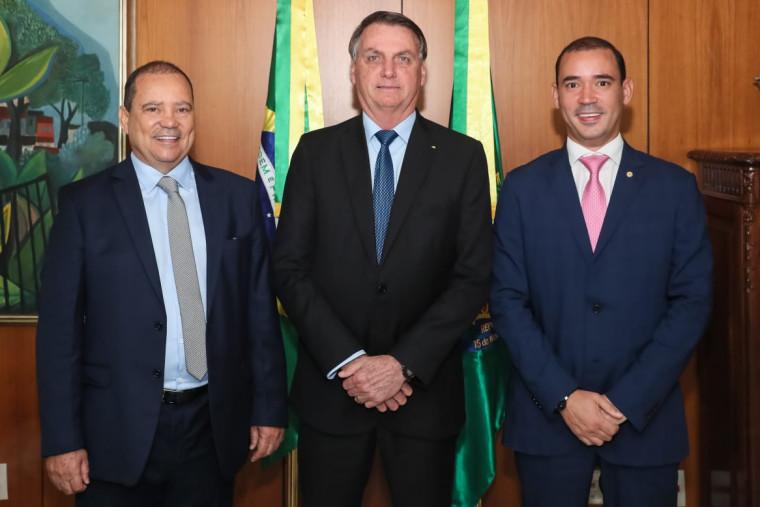 Encontro entre Vicentinho Alves, Bolsonaro e Vicentinho Júnior