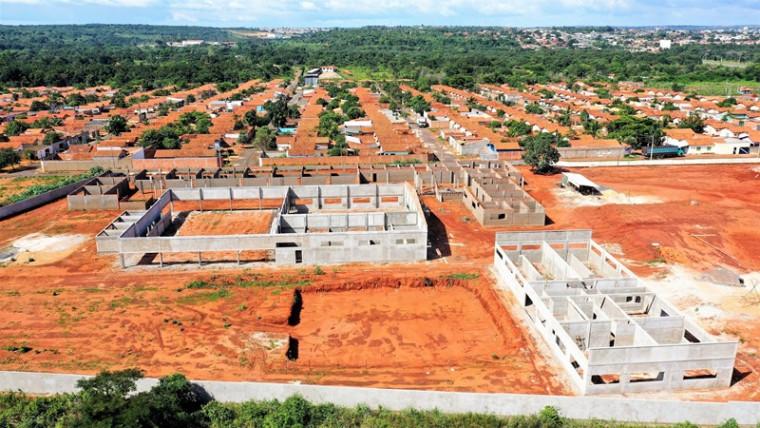 Escola na Vila Azul