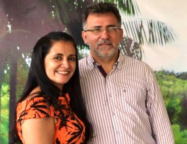 José Santana e a esposa Agneuda Santana