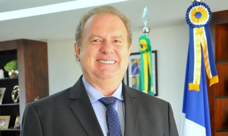 Carlesse afirmou que assumiu um governo sem condições de pagar a folha de pagamento