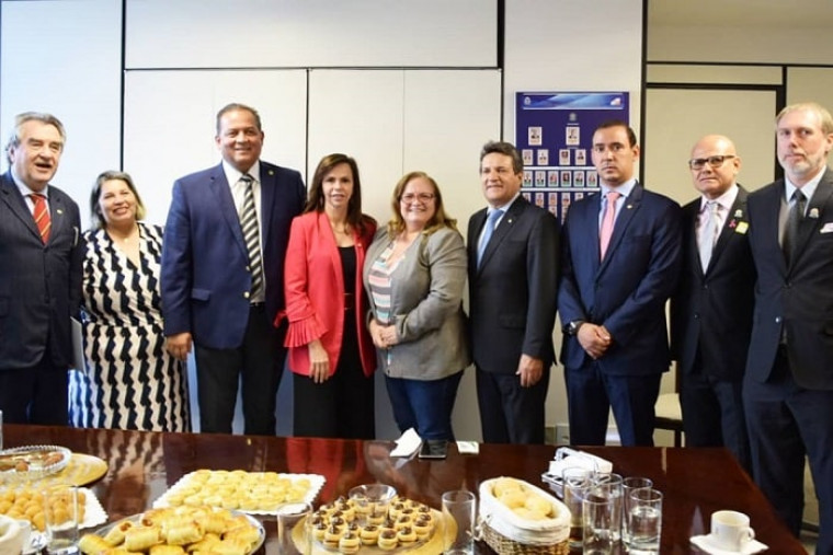 A comissão foi recebida pelos parlamentares em Brasília nesta sexta-feria (04)