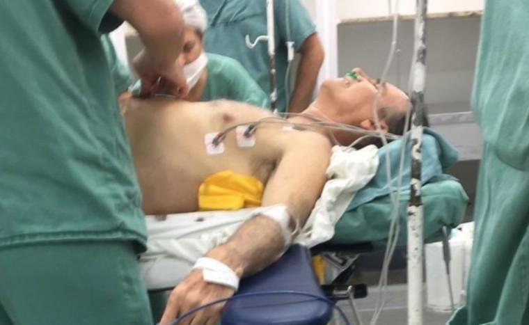 Bolsonaro passa por cirurgia