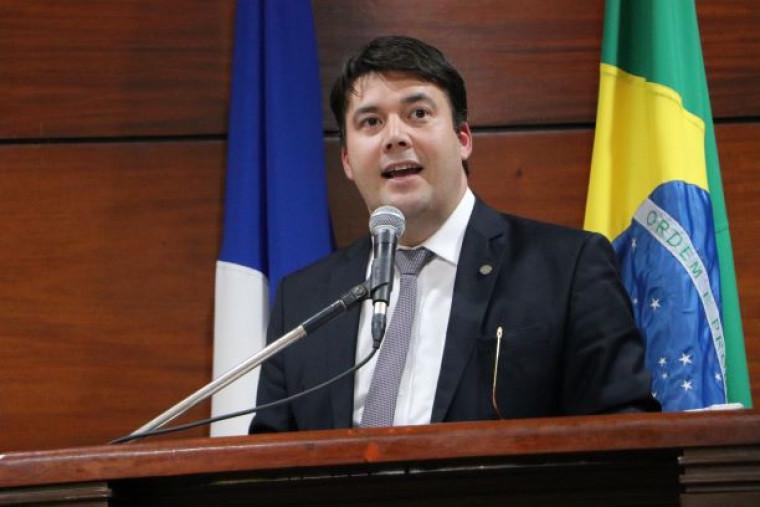 Presidente da OAB-TO, Gedeon Pitaluga Jr