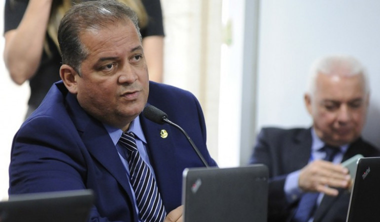 Senador Eduardo Gomes disse que a informação é mentirosa