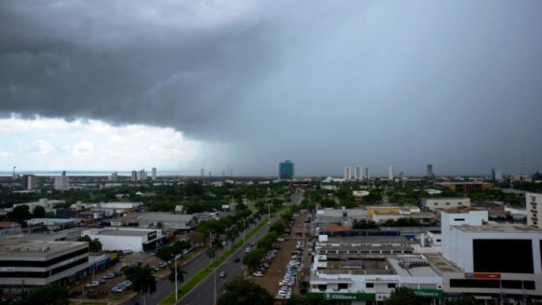 Céu de Palmas nublado durante período chuvoso