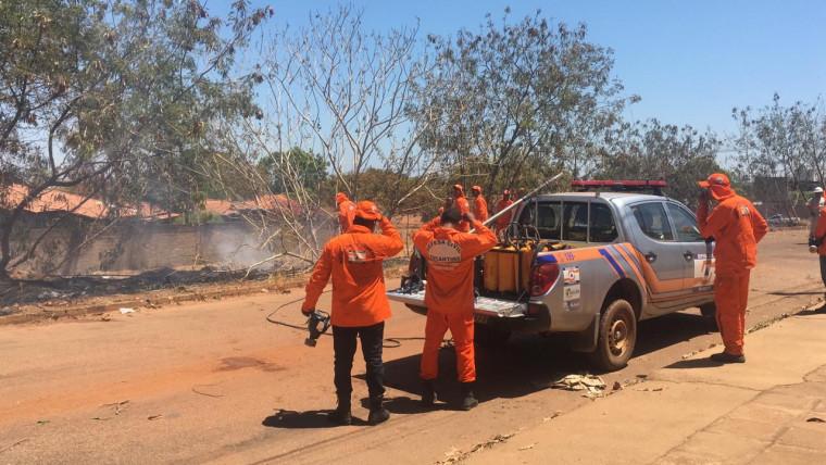 Defesa Civil e Corpo de Bombeiros controlaram o incêndio rapidamente