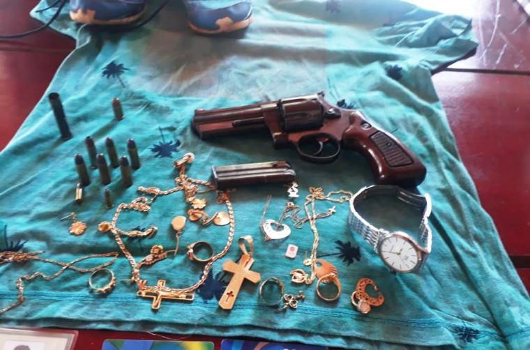 Homem vai responder por tentativa de latrocínio e posse ilegal de arma de fogo