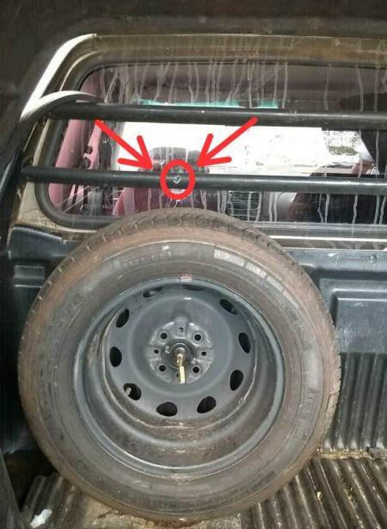 Tiro quase atingiu motorista do veículo