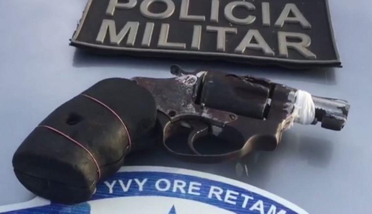 Arma de fogo apreendida com o adolescente de 16 anos