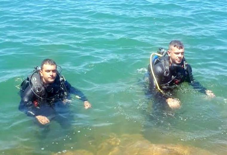 O corpo da criança foi resgatado por mergulhadores do Corpo de Bombeiros