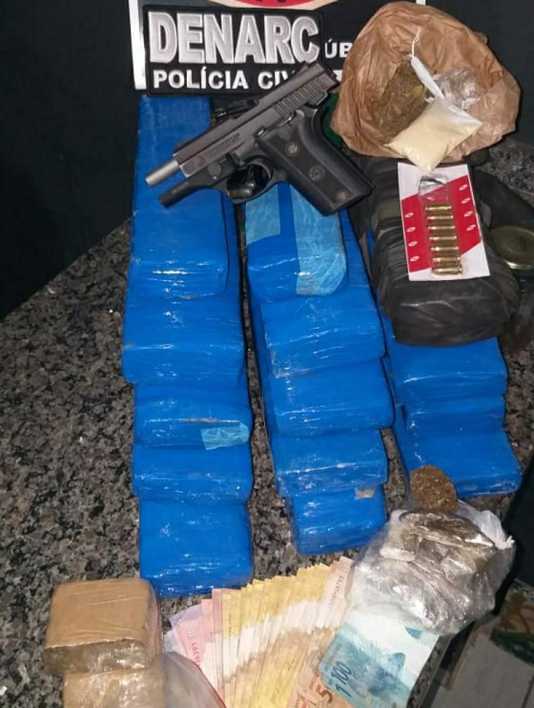 Polícia apreendeu grande quantidade de drogas no estabelecimento do empresário