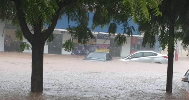 Rua ficou parecendo rio