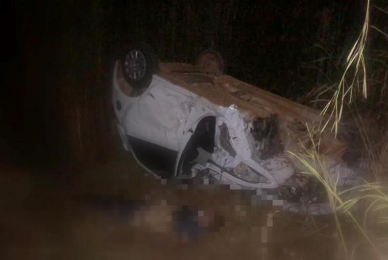 O motorista não resistiu aos ferimentos e morreu no local
