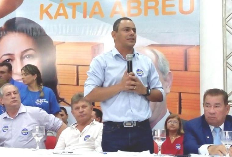 Terciliano Gomes é presidente da UVET e suplente de senador
