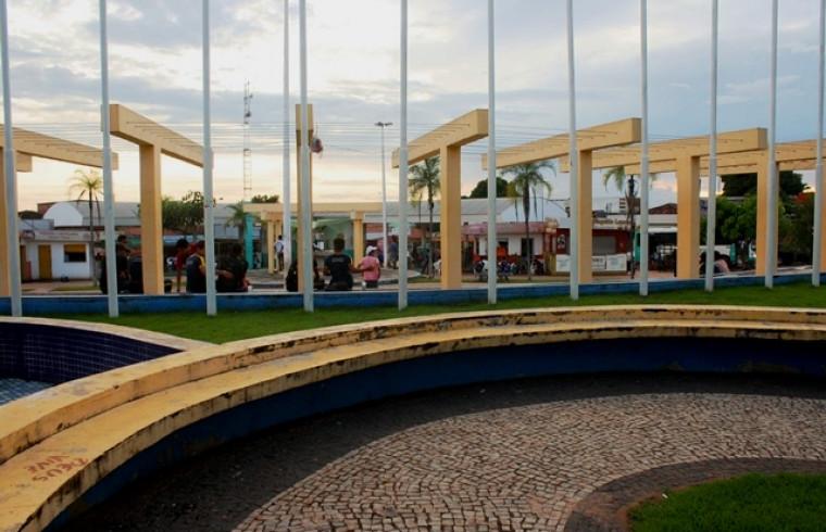 Praça das Bandeiras