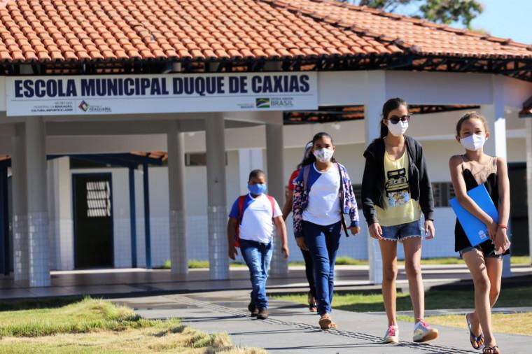 Primeiro dia na Escola Municipal Duque de Caxias, no Assentamento Brejão
