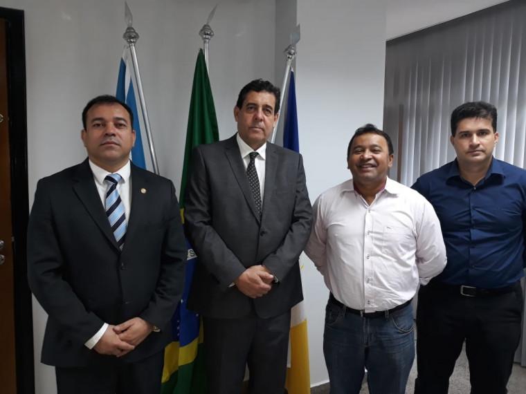 Reunião entre o secretário da Segurança Pública e o deputado Elenil