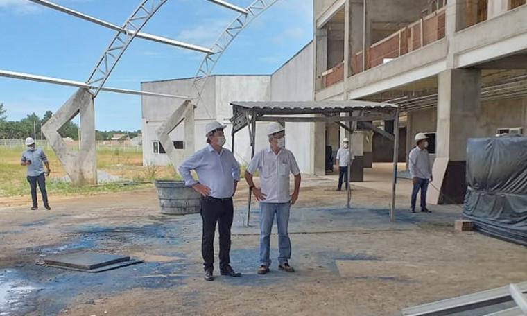 Governador Carlesse durante a visita