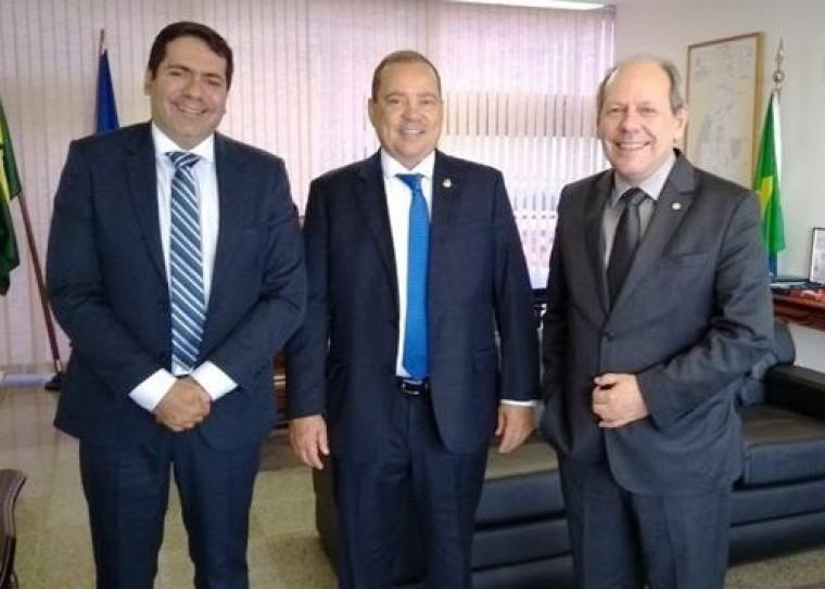 Dimas comenta relação com Família dos Vicentes ao anunciar Marcus Marcelo como candidato a vice