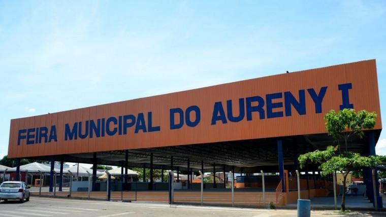 Feira do Aureny I em Palmas