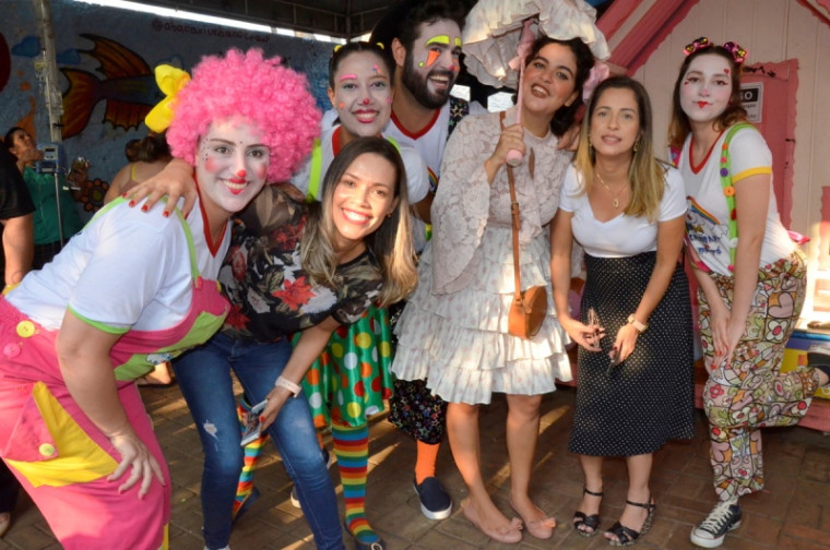 O grupo Chamabi com Mocotó trouxe a alegria do circo para a garotada