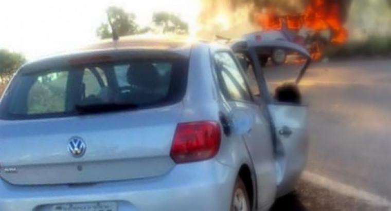 Dois homens que estavam em um dos veículos envolvidos no acidente morreram no local