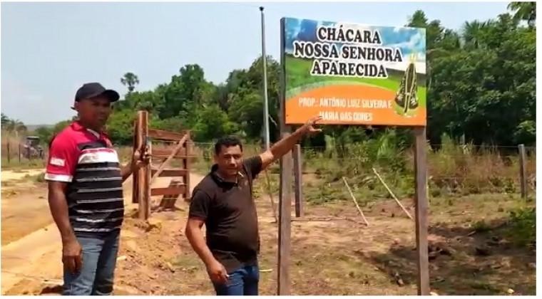 Propriedade pertence ao prefeito Antônio Luiz, conforme a placa