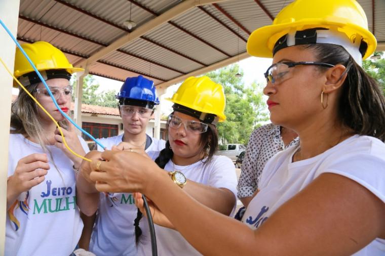 Projeto capacitará mais 225 mulheres nesta primeira etapa