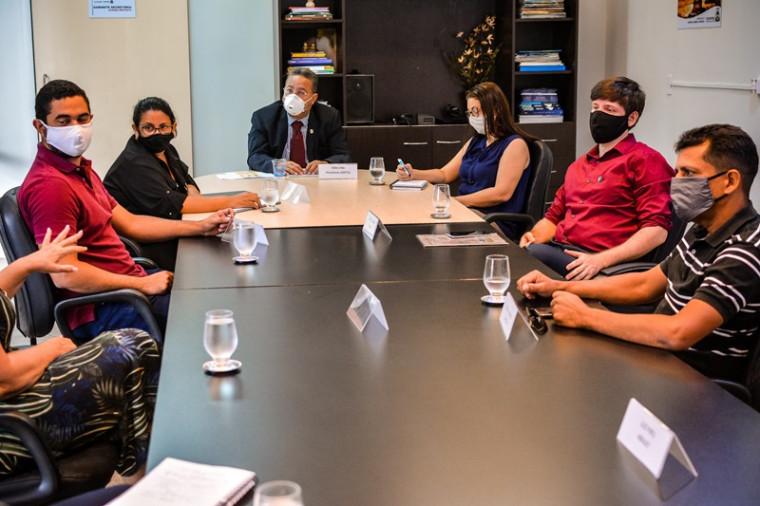 Reunião sobre retomada das atividades em Palmas