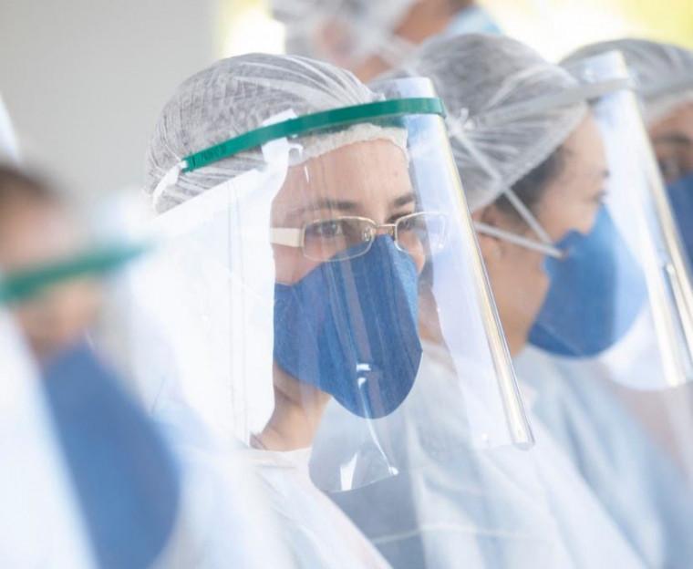 16 profissionais da saúde estão com covid-19 no HRA