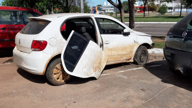 O veículo utilizado pelos criminosos era roubado