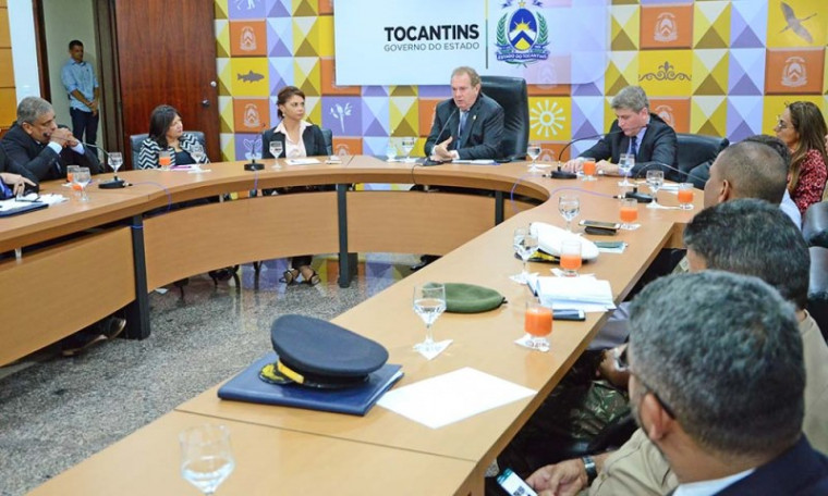 Reunião no Palácio Araguaia