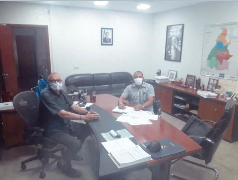 Reunião entre secretário da Saúde e o diretor do hospital