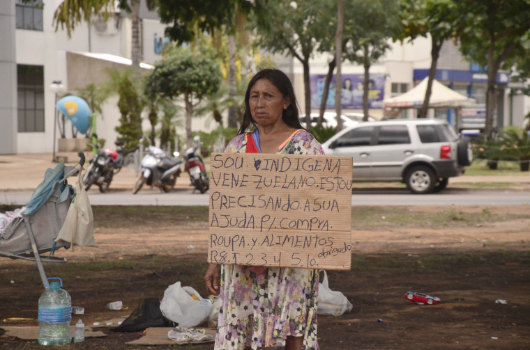 Os indígenas venezuelanos refugiados na capital devem ir para Imperatriz no Maranhão