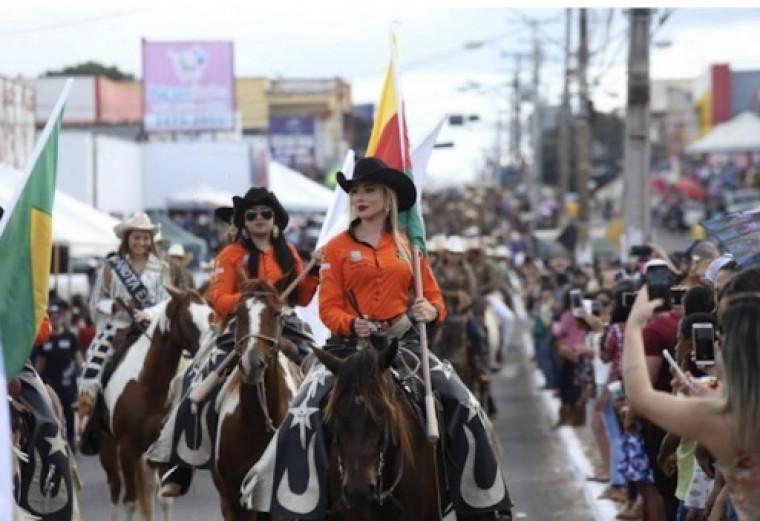 A tradicional Expoara tem a maior cavalgada do mundo