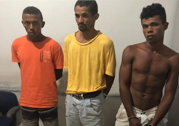Trio suspeito de cometer o homicídio triplamente qualificado